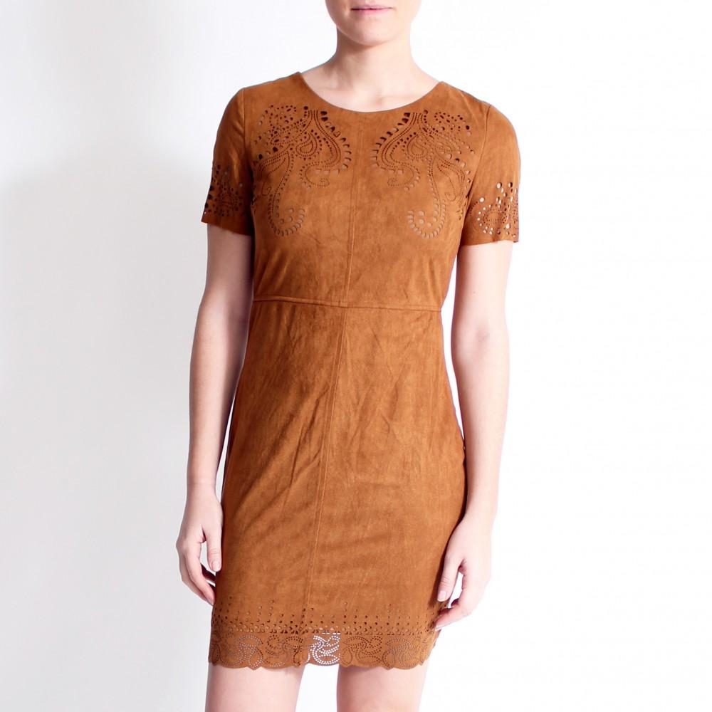 Trouvez des modèles de robe sur robe.pro