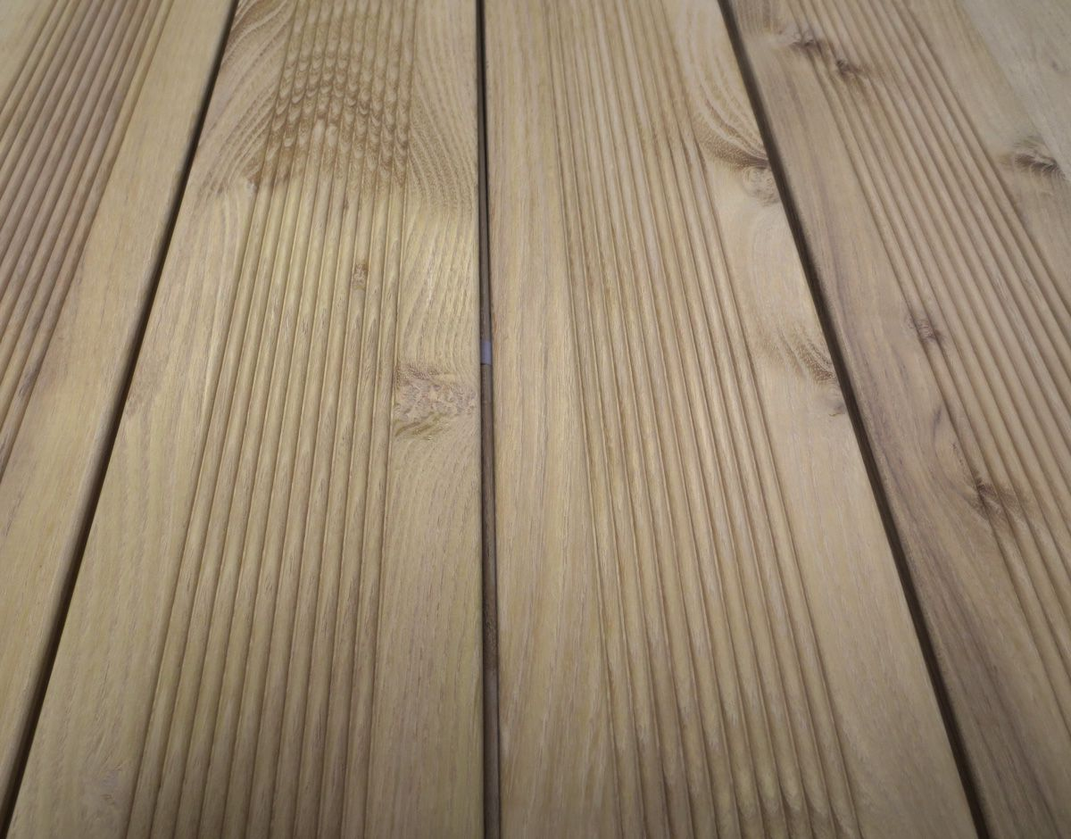 Lames de terrasse le bois exotique est le meilleur choix for Lame de terrasse robinier